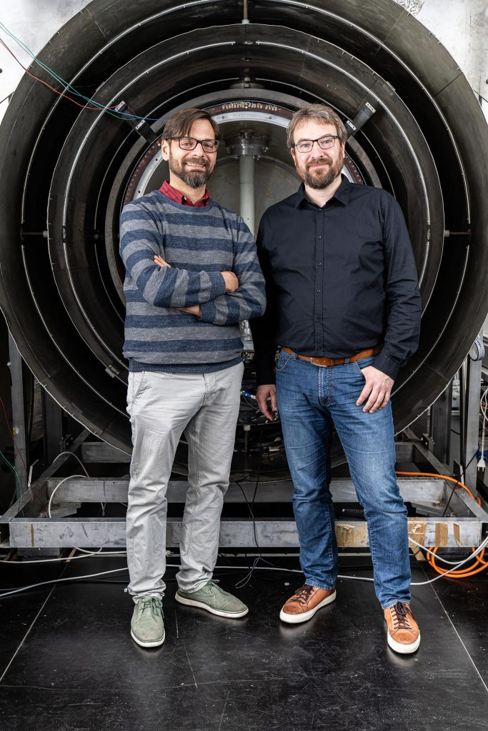 Physicists Philipp Schmidt-Wellenburg and Georg Bison