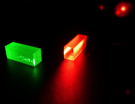 Physicists Teleport Quantum State of a Photon to a Crystal Over 25 Kilometers of Fiber