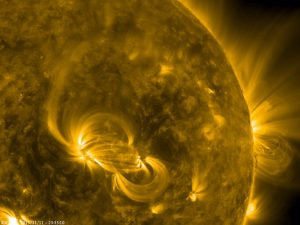 Solar Dynamics Observatory Sees Brightening Magnetic Loops