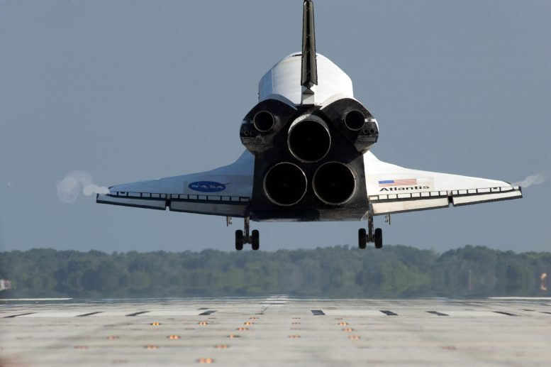 Space Shuttle Atlantis Landing