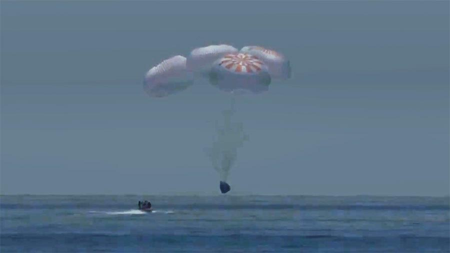 SpaceX Capsule With NASA Astronauts Splashdown In Gulf Of Mexico