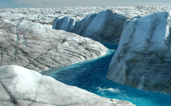 Study Shows Greenland Ice Sheet Movement Decreasing Despite Warming