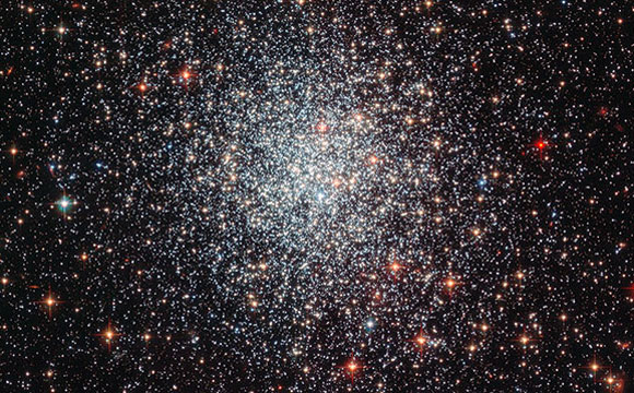 Study Suggests Globular Clusters Gain Star-Making Fuel from Outside the Cluster Itself