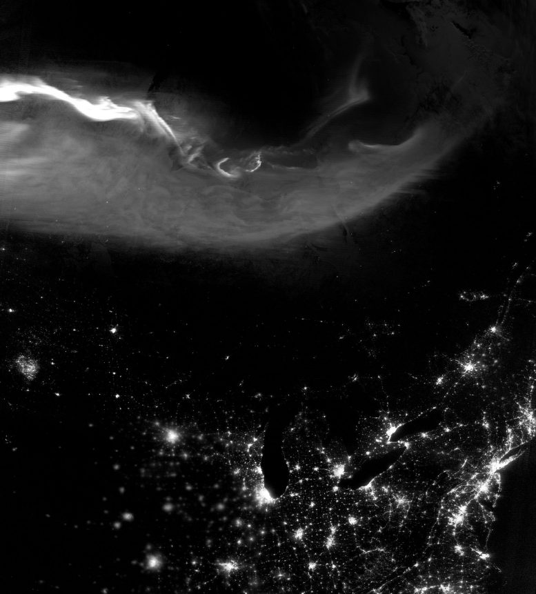 Suomi NPP Satellite Views Aurora Borealis