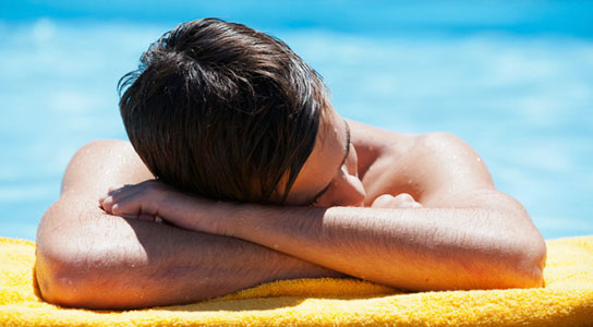 UV exposure makes human tissue more likely to tear under pressure