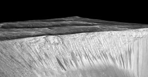 Water Streaks on Walls of Garni Crater on Mars