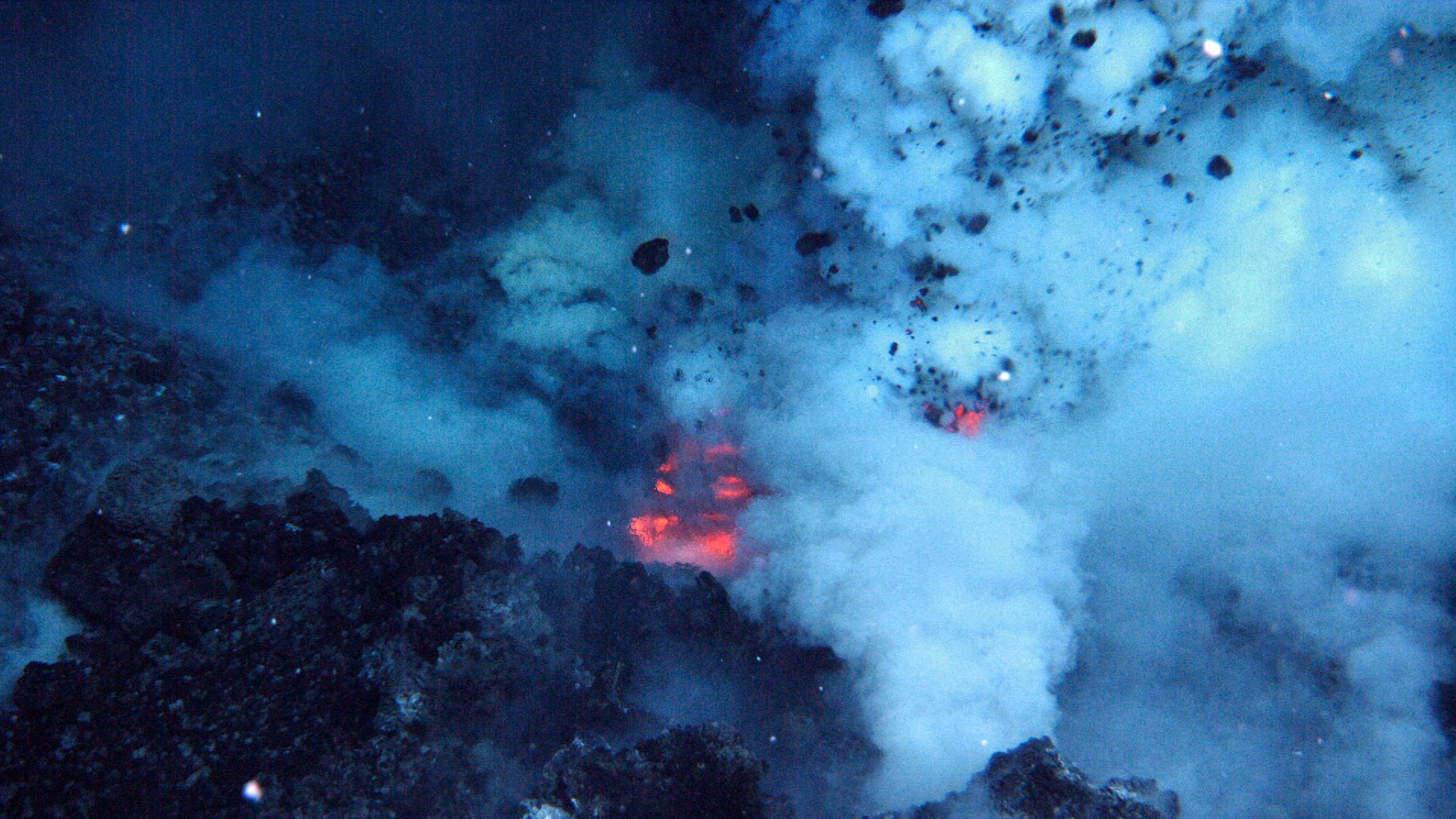 Energy Unleashed by Volcanic Eruptions Deep in Our Oceans Could Power All of the United States - SciTechDaily