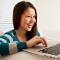happy-teen-blogging