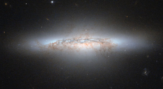 hubble views galaxy NGC 5010