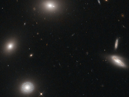 hubble-views-gigantic-elliptical-galaxy-designated-4C-73.08