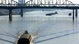 mississippi-river-shipping