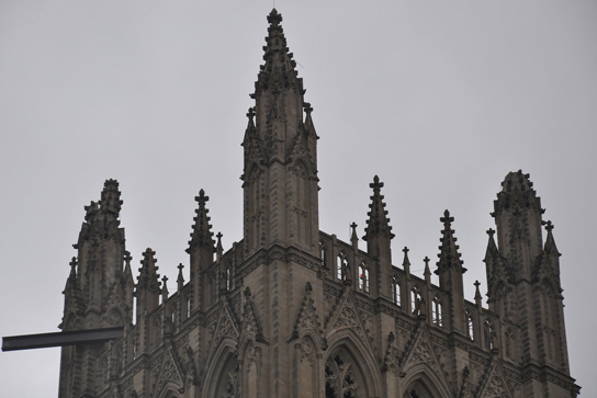 national-cathedral-damaged-pinnacle