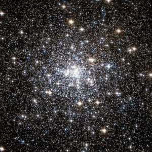 new-images-hubble-ngc-6752