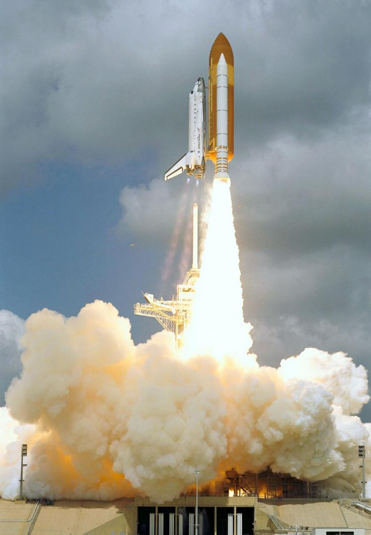 STS-114-Space-Shuttle-Discovery-Liftoff.
