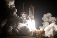 Space Shuttle Discovery Races Toward Space